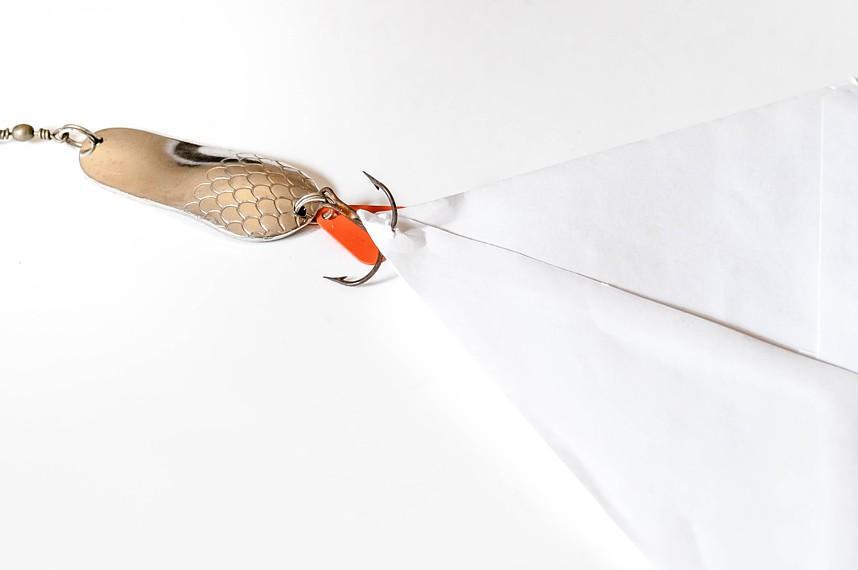 Fishing-Mail: Briefumschlag mit (Angel)haken
