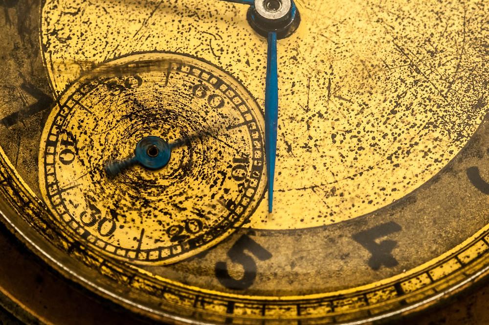 Eine Uhr. Sie könnte auch Website-Ladezeiten messen.